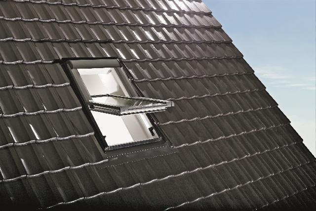 Мансардное окно Designo R45 KW WD RotoTronic EF 07/09