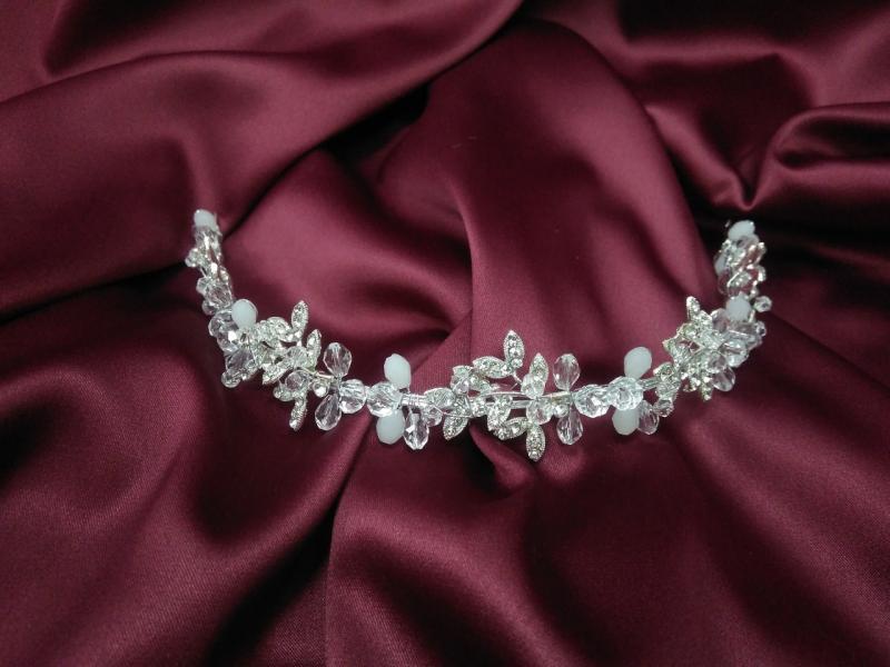 Веточка с хрусталиками и камушками для свадебной и вечерней прически