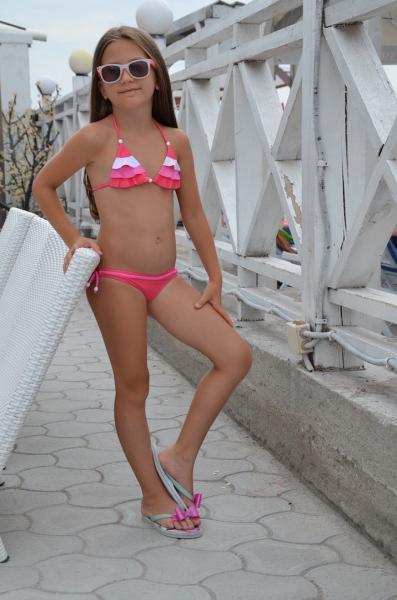 Розовый детский купальник Della Freya R 116 Розовый