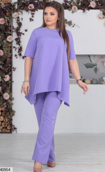 Нарядный женский брючный костюм цвета лаванды размеры:48-50,50-52,52-54
