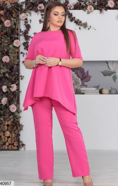 Нарядный женский брючный костюм розовый размеры:48-50,50-52,52-54