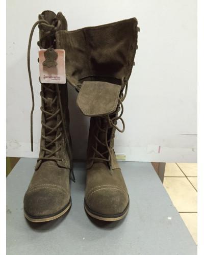 Ботинки женские замшевые длинные на шнурках цвета хаки Stradivarius 37