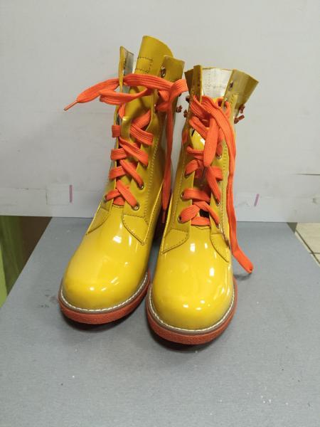 Ботинки женские демисезонные на шнурках  яркие Vivian Royal 37