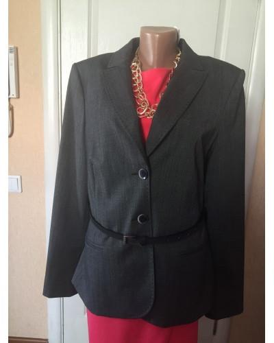 Пиджак женский  серый с кожаным поясом  Comma