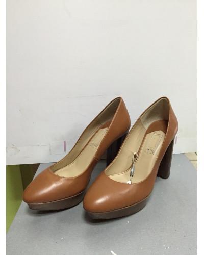 Туфли женские модельные на устойчивом каблуке и платформе закрытые Uterque  38