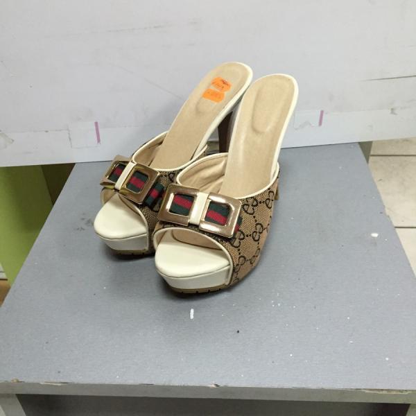 Шлепанцы женские  на высоком каблуке и платформе с принтом под Gucci б37