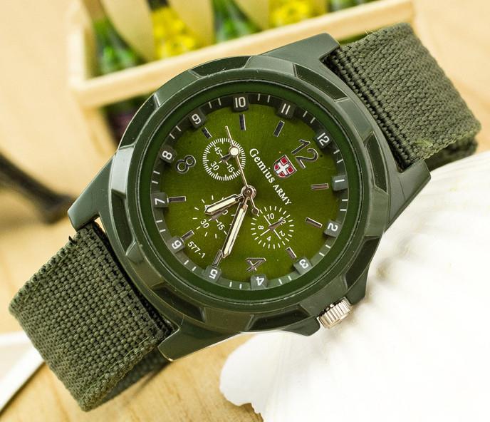Мужские часы с текстильным ремешком хаки