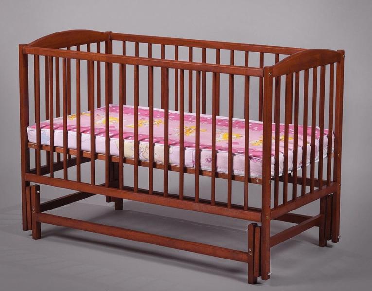 Детская деревянная кроватка на маятнике (бук)