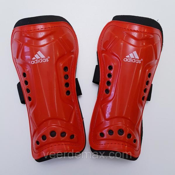 Футбольные щитки детские  красный