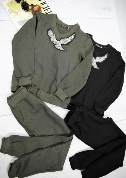 Яркий трикотажный костюм серого и черного цвета RUIXI.
