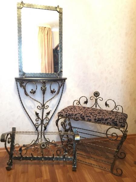 Комплект кованой мебели для прихожей