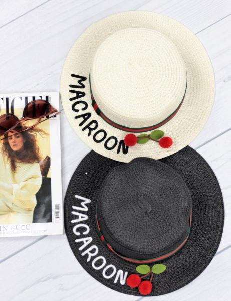 Женская соломенная шляпа Macaroon белого цвета с вишенками.