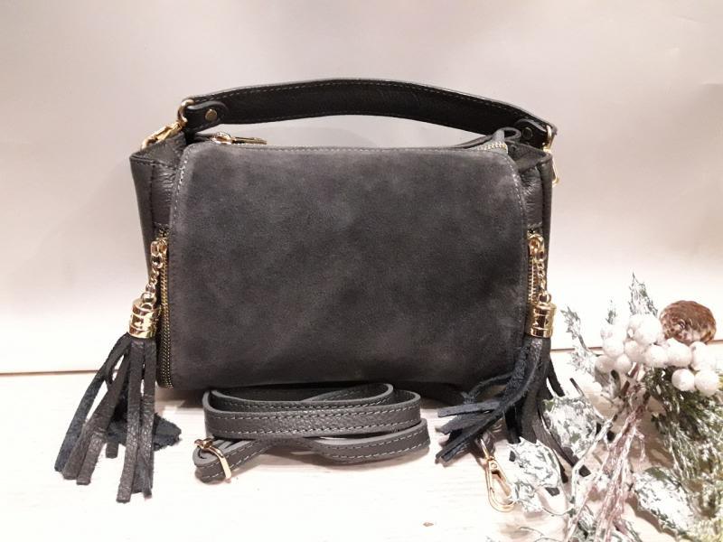 Шкіряна жіноча сумка сірого кольору  перед натуральний замш сумка на два відділення на довгій ручці