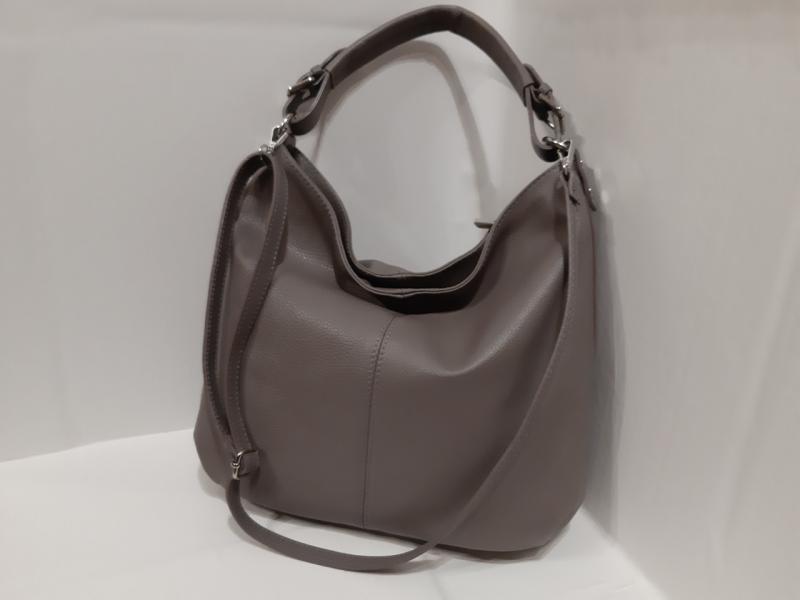 Мягка шкіряна сумка темно бежевого кольору на два відділеня на короткій і довгій ручці через плече