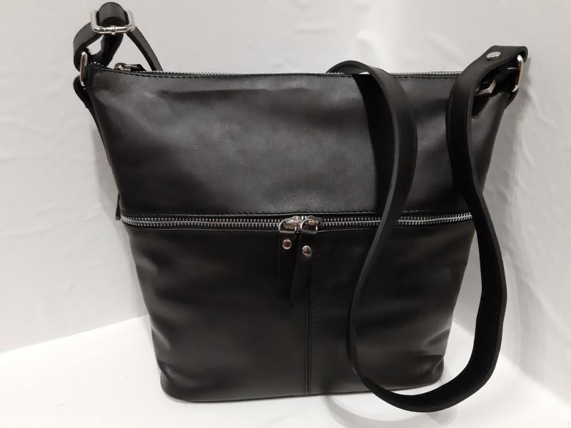 Шкіряна чорна жіноча сумка на довгу ручку через плече довжина регулюється впереді карман на два відділення