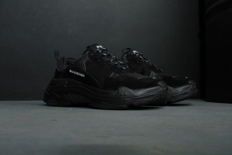 Фото Женские кроссовки, Balenciaga Мужские кроссовки Balenciaga Triple S (Баленсиага) черные