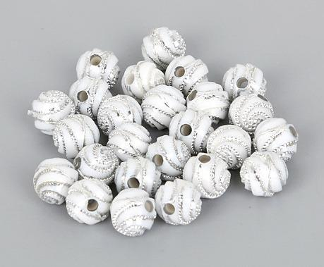 Фото Бусины ,полубусины ,стразы,.цветок, Бусины  разные Бусина  8 мм.  Белого  цвета  с  Серебряным   узором.    Упаковка  50 шт.