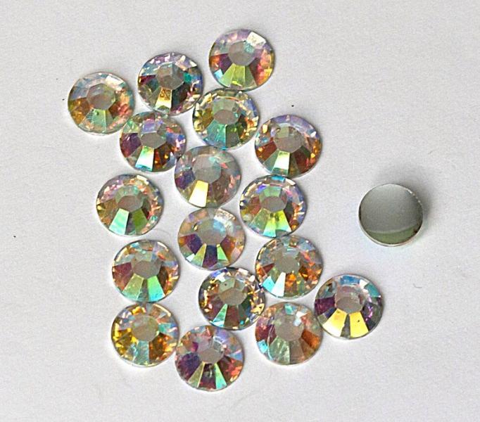 Фото Бусины ,полубусины ,стразы,.цветок.шина, тесьма пластик, Стразы  пластик, акриловые Стразы  5 мм.  Стекляные ,