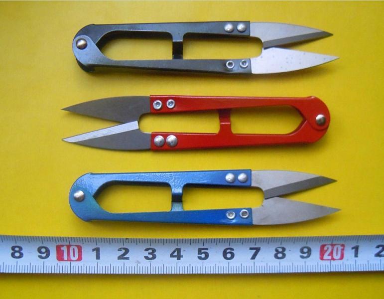 Фото Инструменты ,  крепёжные  материалы  и  клей. Нож для обрезания Ниток . шнуров и узких лент . Длина 10,5 см. Нож - 3 см.