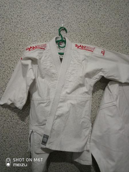 Кимоно для единоборств 140-150 погон