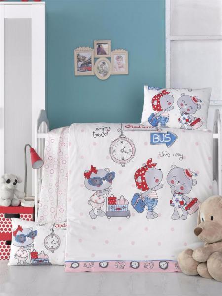 """Детское постельное бельё """"Маленькие путешественники"""" (с одеялом и подушками + в подарочной коробке)"""