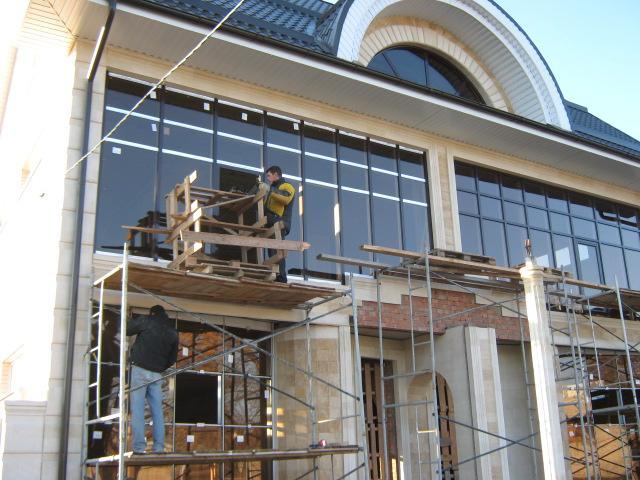 Фасадное остекление, остекление домов,  панорамное остекление дома, стеклянный фасад дома.