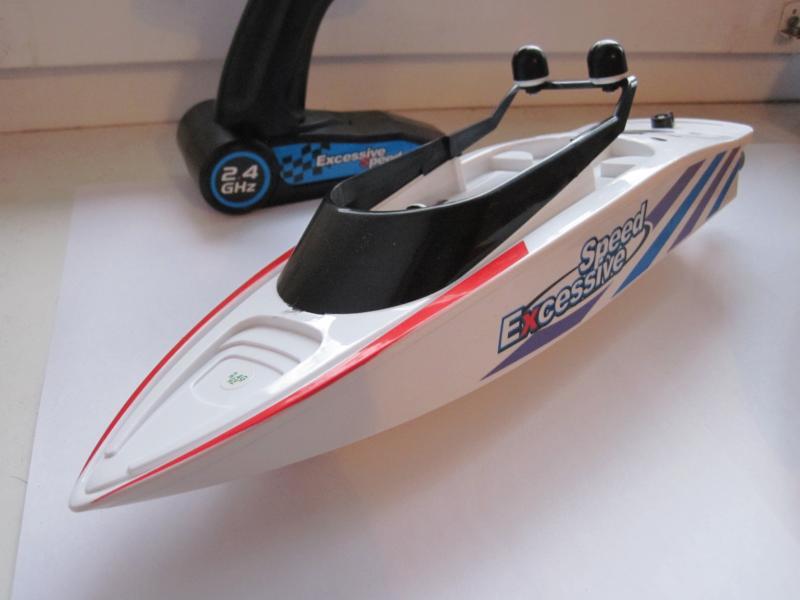Катер Create Toys 3323 радиоуправляемый, длина 32 см, скорость 20 км/ч