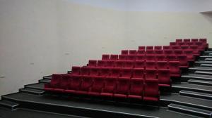 Фото Кресла для актовых залов школы, колледжа, клубов, конференц-залов, Домов культуры, театров и кинотеа Кресло М1-2 в актовый, кинотеатральный, зрительный зал, Дом культуры полумягкие под заказ от белорусского производителя