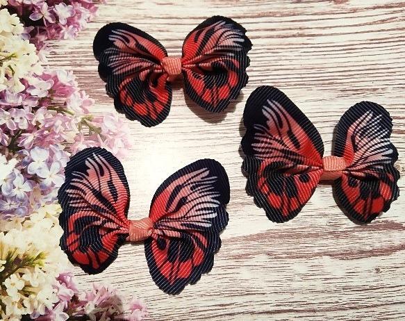Фото Тканевый декор Бантик  65 * 50 мм.  из  Репсовой  ленты  в  виде  бабочки .