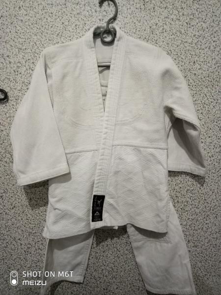 Кимоно для единоборств 130-140 Комбат