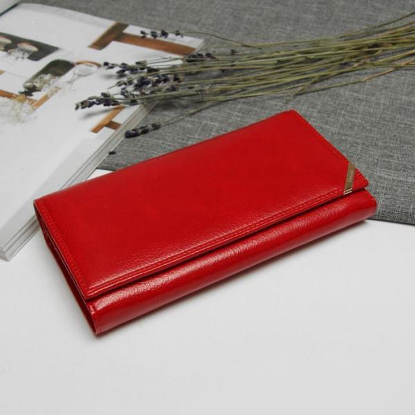 Кошелёк женский на магните, 2 отдела рамка, 5 отделов для кредиток, наружный карман, цвет красный