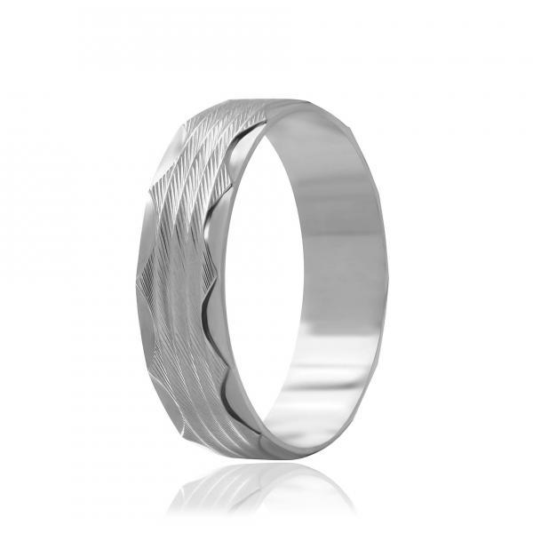 Серебряное кольцо Silvex925 19.3 мм модели К2/811-О