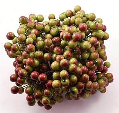 Шарик глянцевый   Зелёно - Красный  10 мм. Один пучёк  20 проволочек ( 40 ягодок . )