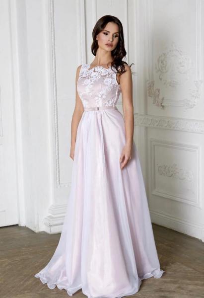 Непышное легкое свадебное платье Дана