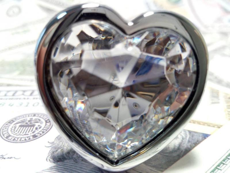 Анальная пробка Like Heart Love White  + черный бархатный мешочек