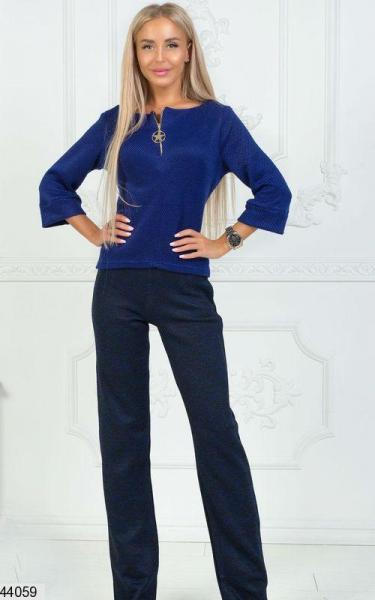 Женский брючный костюм синий букле размеры:42,44,46