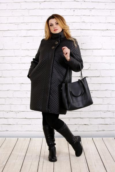 Демисезонное стеганое женское пальто большие размеры 42-74