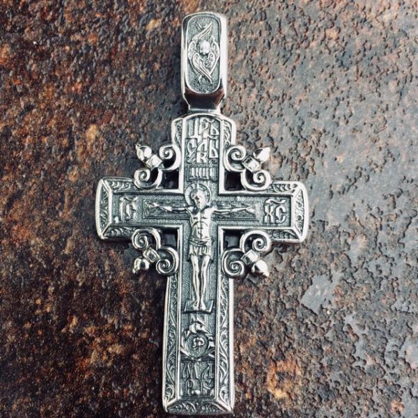 Серебряный нательный  крест  Распятие Христово