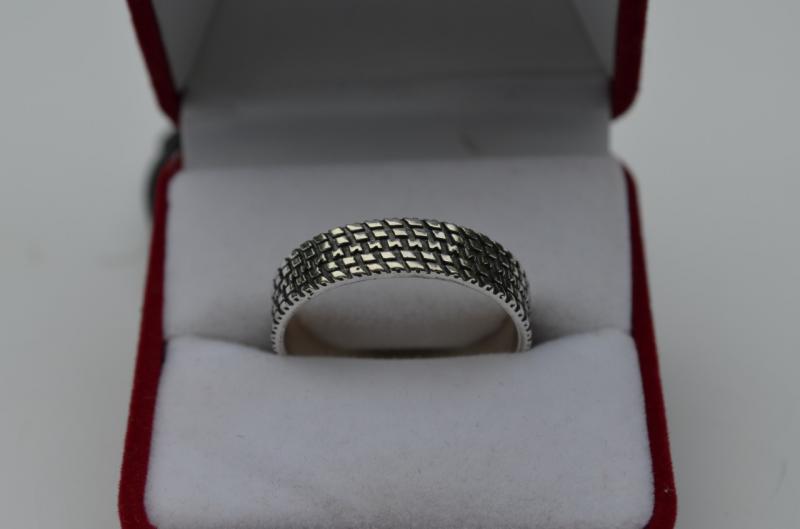 Серебряное кольцо Протектор