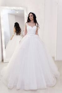 Фото Свадебные платья Пышное белое свадебное платье со шлейфом и рукавами Валенсия