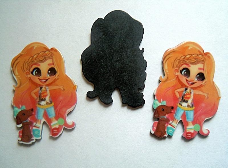 Пластиковая  серединка   Enchantimals   28  * 44 мм.   (  девочка  с  пышными  волосами  и  собачкой )