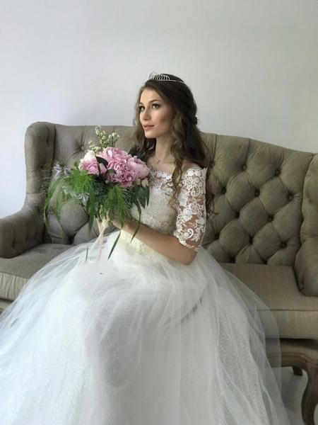 Пышное свадебное платье с блесткой в юбке Андреа