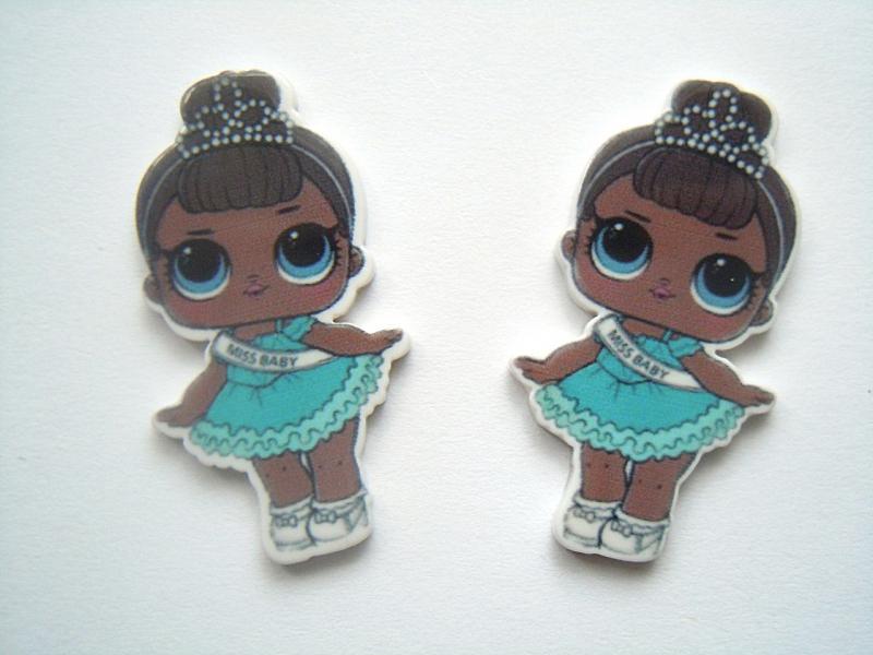 Фото Серединки ,кабашоны, Кабашоны детские мультики Пластиковая серединка  21 * 39 мм.  ЛОЛ .  мiss  baby , в  голубом  платье  с  короной