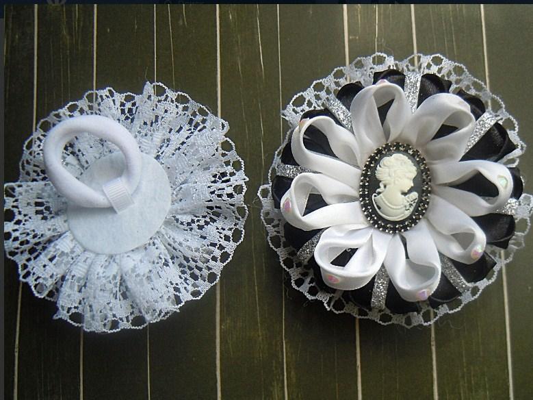 Фото Готовые изделия хенд мейд, Резинки хенд мейд Резинки для волос черно- белые камеи,пара
