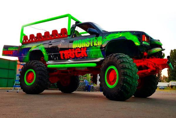 Party Bus Monster truck пати бас