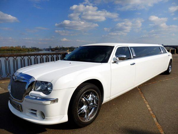 Лимузин Chrysler 300C Bentley Style