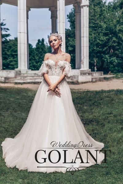 Стильное легкое свадебное платье со шлейфом Лучана