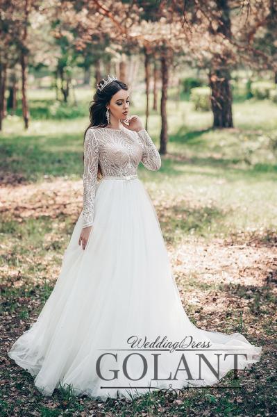 Закрытое непышное свадебное платье с длинными рукавами Валентина