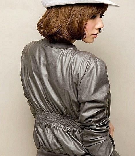 Фото Женские куртки Куртка р42 серая