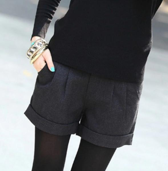 Фото Женские шорты Шорты р42 черные